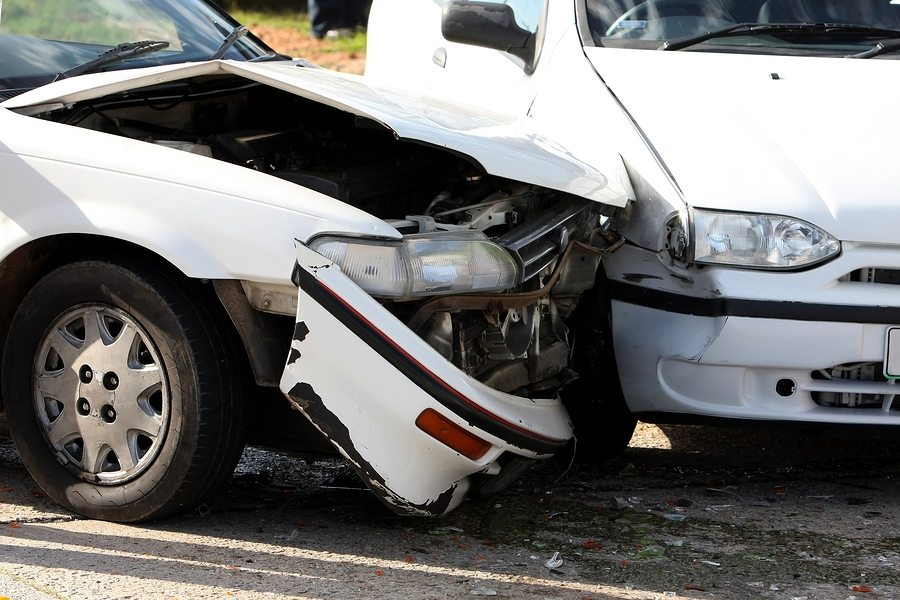 PP December 6 Steps to Take Following a Vehicle Collision - 6 Steps to Take Following a Vehicle Collision